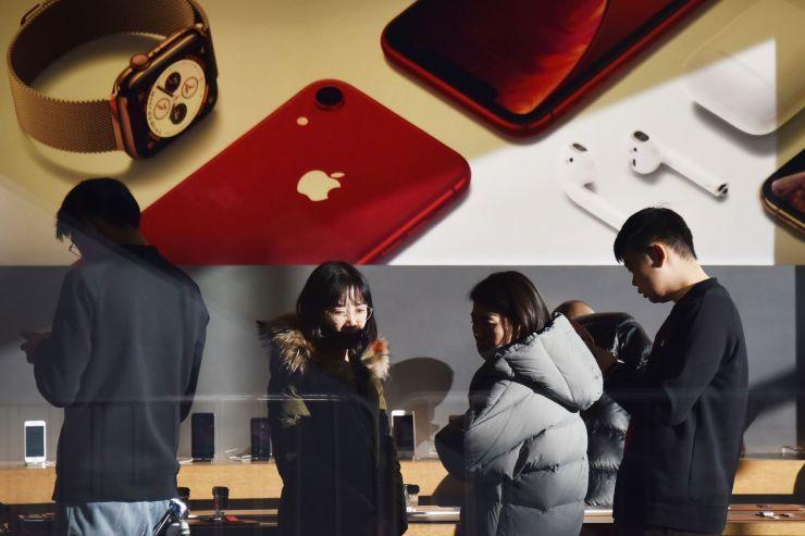 <b>中国人对iPhone兴趣大减:在百度搜索量降了一半</b>