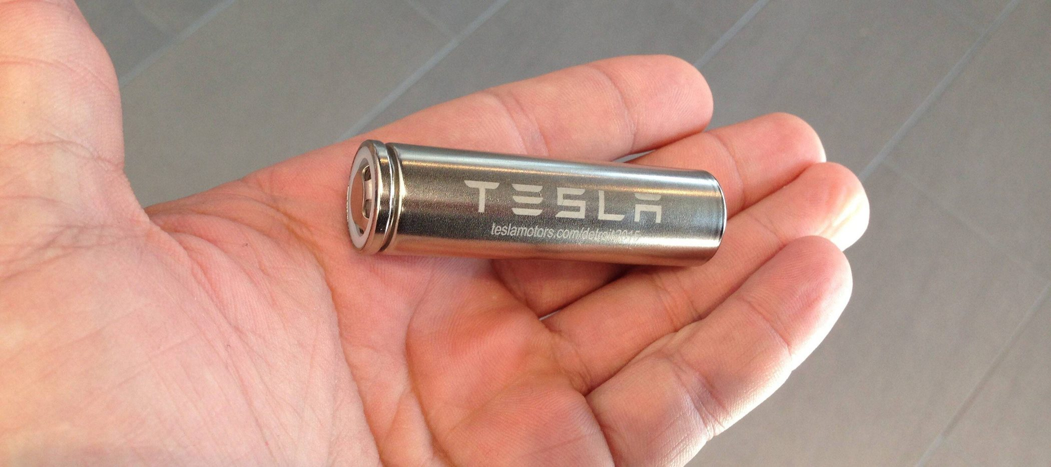 <b>特斯拉Model 3在5月份用了全球1/6的电动车电池</b>