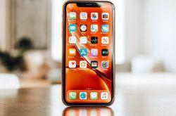 苹果 iPhone 11 Pro Max 全球首拆:电池明显变厚