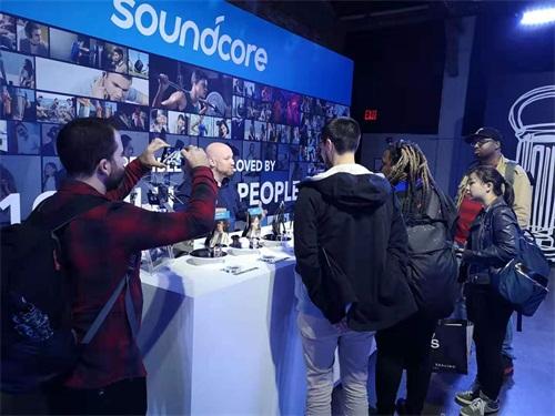 安克创新Soundcore展出全球首款同轴圈铁TWS耳机
