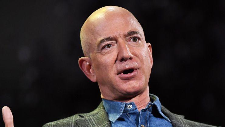 <b>亚马逊三季度净利润21亿美元 同比下滑26%</b>